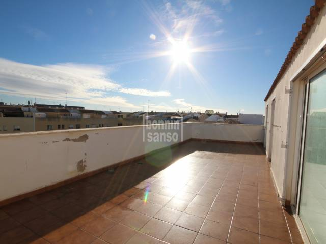 Modern penthouse on second floor, with community pool in Ciutadella, Menorca