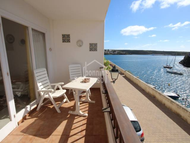Apartment with superb views over the bay of Cala Corp.
