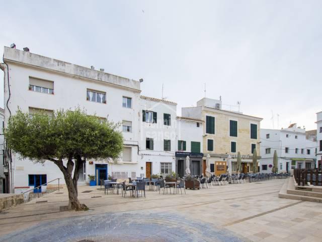 Local situado en la centrica Plaza Bastion de Mahon, Menorca