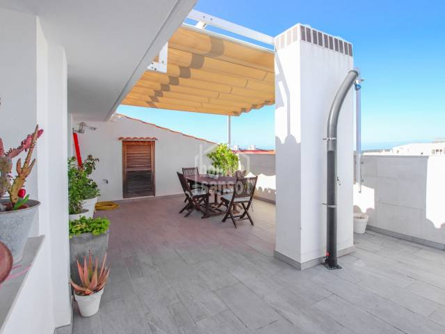 Private penthouse with a large terrace in Mahón. Menorca