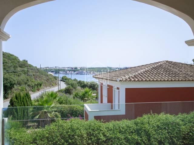 Chalet construido en 2008, ubicado en Cala Rata, Mahón-Menorca