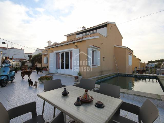 Lovely villa ideal size with lovely sea views in Es Castell