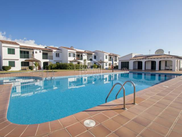 First floor apartment with open views to the swimming pool and garden areas, Calan Porter. Menorca