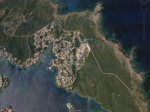 Solar con vistas abiertas al mar. Cala Llonga. Menorca