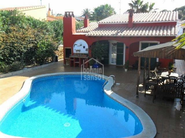 Atractivo chalet situado en Calan Porter,Menorca