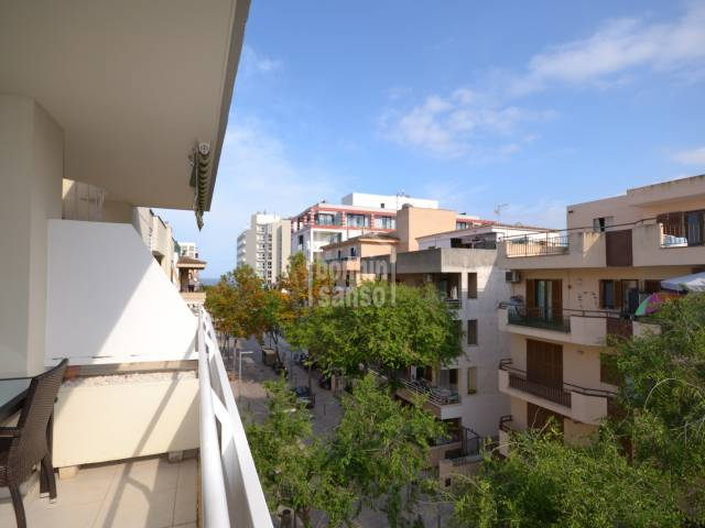 mpeccable attic apartment of approx. 100m² in the centre of Cala Millor, situated only 1 minute from the Beach front.