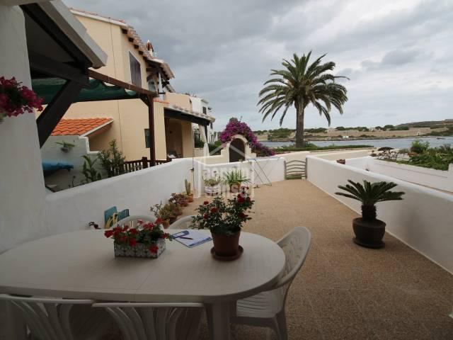 Preciosa casa adosada que disfruta de espectaculares vista al mar en Es Castell, Menorca