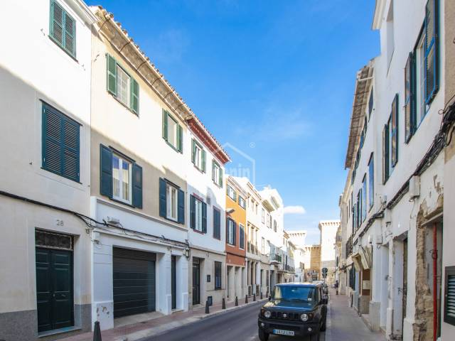Lovely duplex penthouse with private garage in the historic centre of Mahón, Menorca.