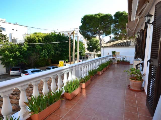 Luminoso apartamento techo libre, Cala Millor, Mallorca