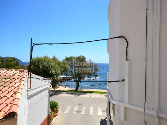 Apartamento con vistas mar en segunda linea en el puerto de Cala Bona. Mallorca