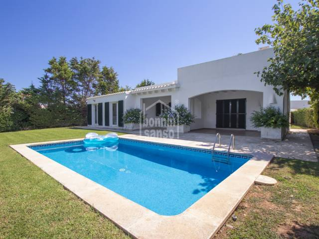 Well maintained villa located in elevated position in Binibeca Vell, Menorca