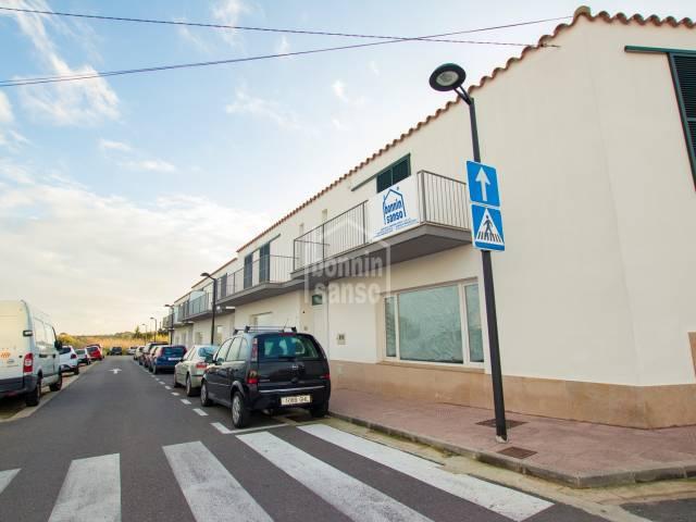 Casa adosada de reciente construcción, sin muebles,  en alquiler en Sant Lluís, Menorca