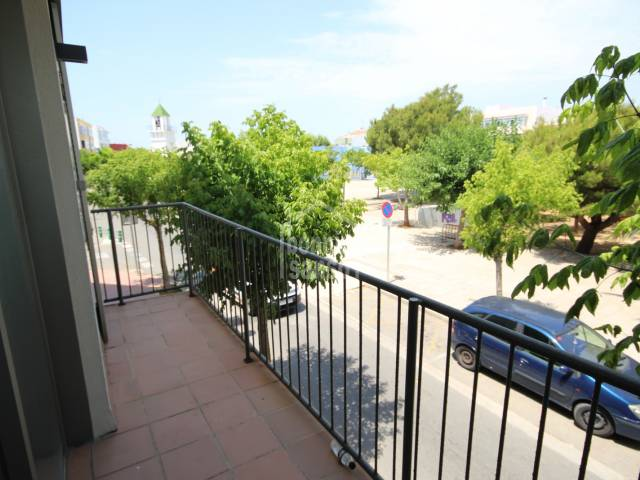 First floor apartment with large communal area with swimming pool in the centre of Ciutadella