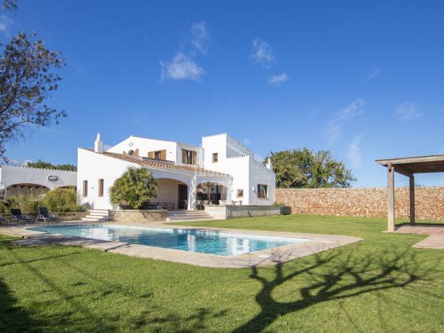 Villa with annex, pool and stables in the hamlet of Trebaluger, Menorca