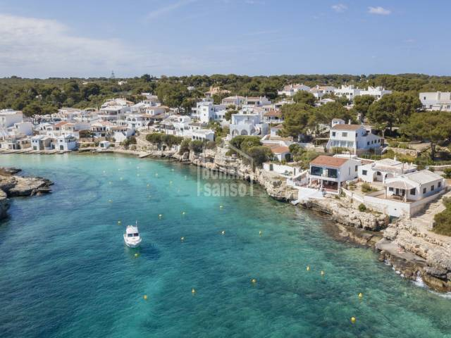 Front line villa with direct access to the crystal waters of the bay in Alcufar, Menorca