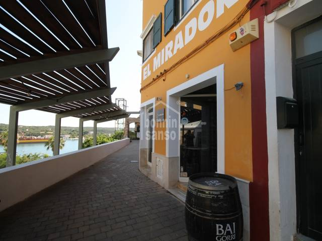 Apartment/flat/Bar/restaurant/Building in Mahon Centro