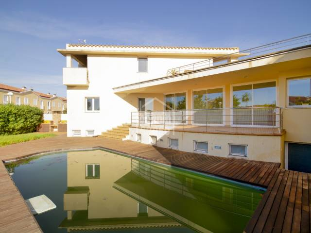 Charming villa with indoor and outdoor pool in Malbuger, Mahon, Menorca.