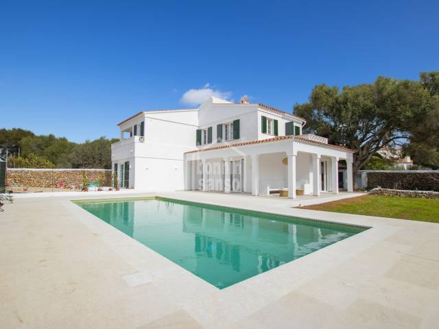 Exquisite property located in an area of ​​tranquility and rest. Trebaluger Menorca