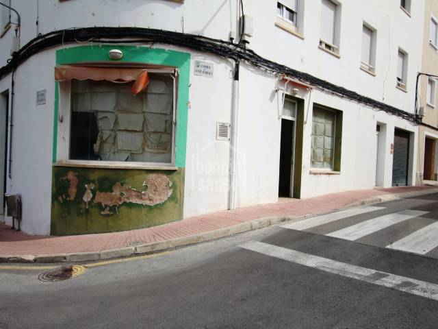 Ground floor corner business premises, Es Castell, Menorca