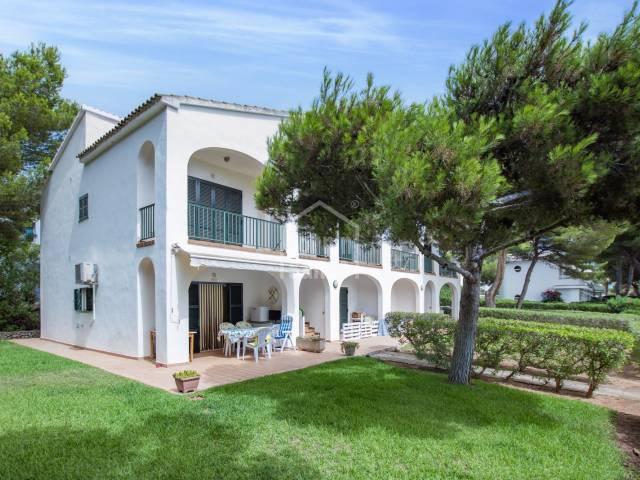 Cómodo apartamento en planta baja con jardín en Coves Noves -Menorca-