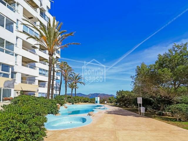 Apartment in frontline building, Cala Millor, Mallorca