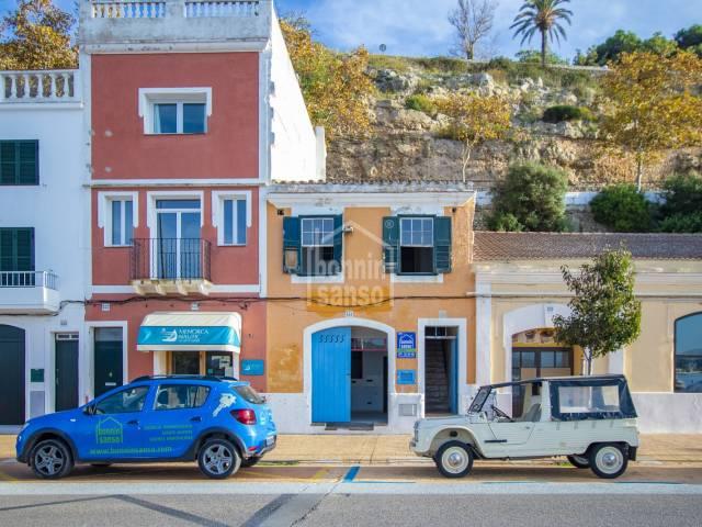 Edificio en Primera linea en el Puerto de Mahon, Menorca