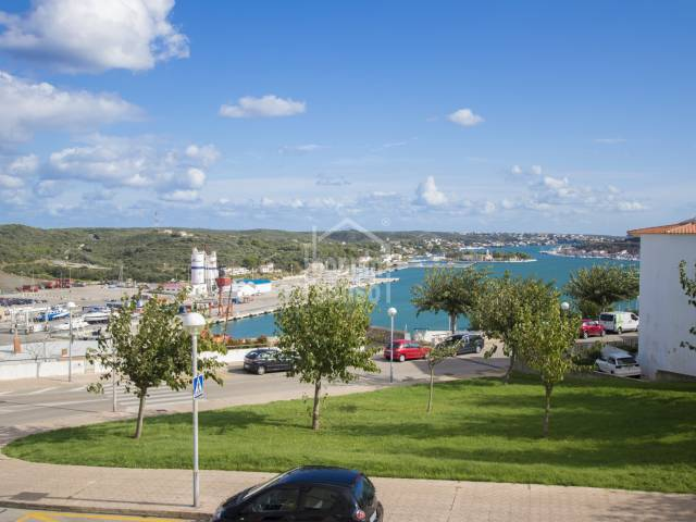 Interesting renovation project with garden and Port views. Mahon. Menorca