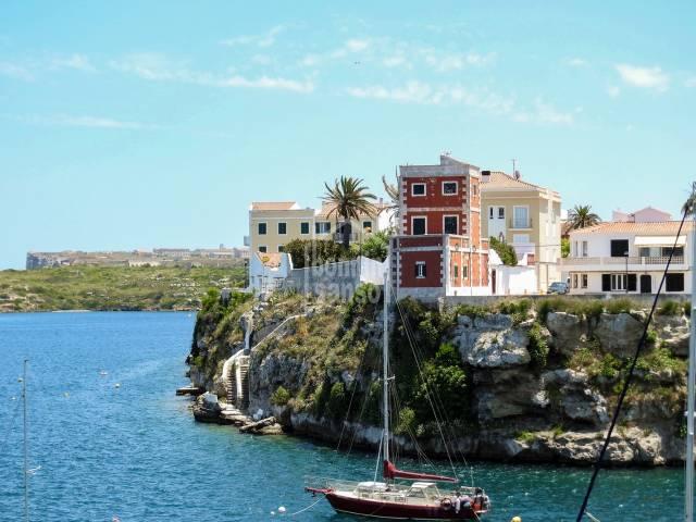 Maison en première ligne de mer avec son propre ponton a Es Castell, menorca
