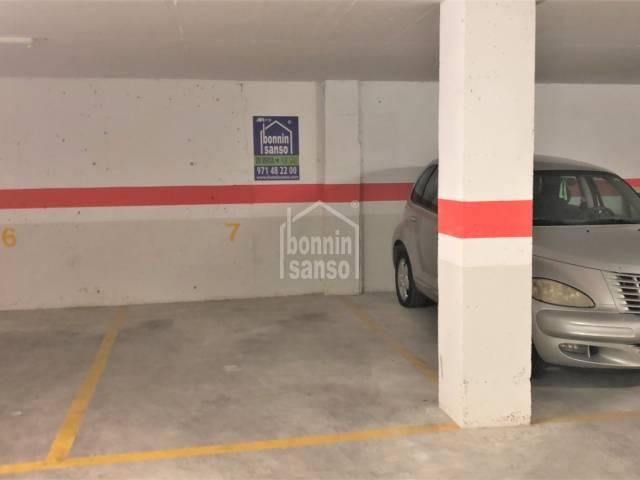 Parking cerca del puerto antiguo, Ciutadella, Menorca