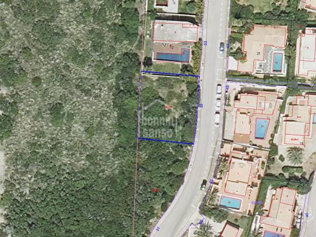Plot of land in the urbanization of Cala Llonga, Menorca