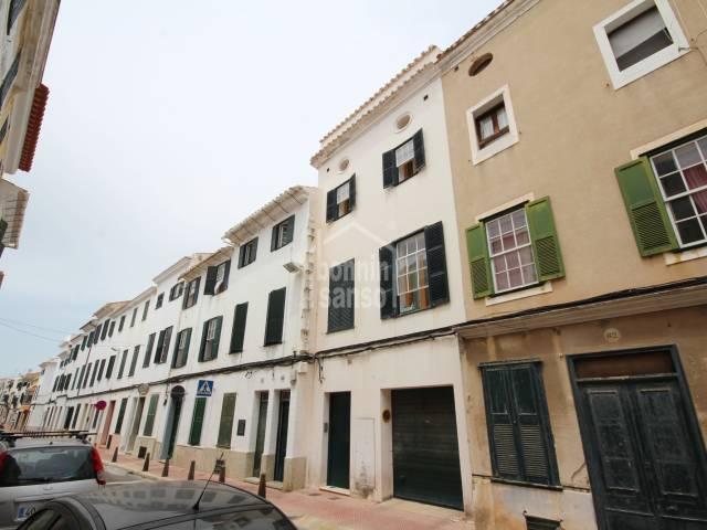 Atención inversores. Edificio de 5 viviendas en zona centro de Mahón, Menorca