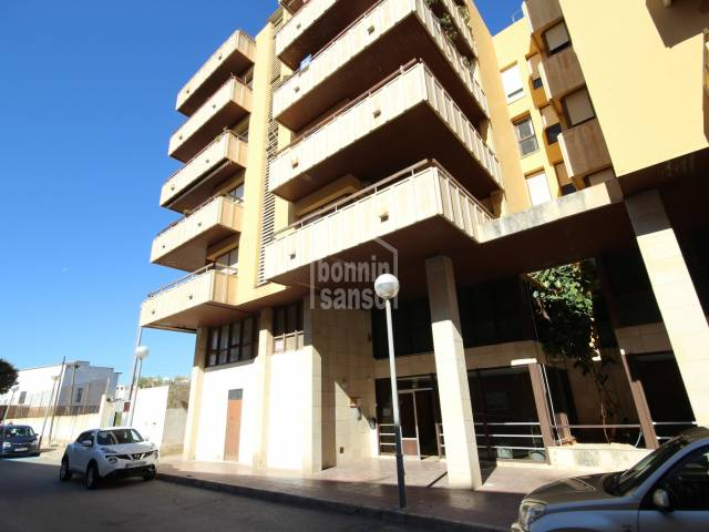 Large apartment/flat with four bedrooms in Mahon, Menorca