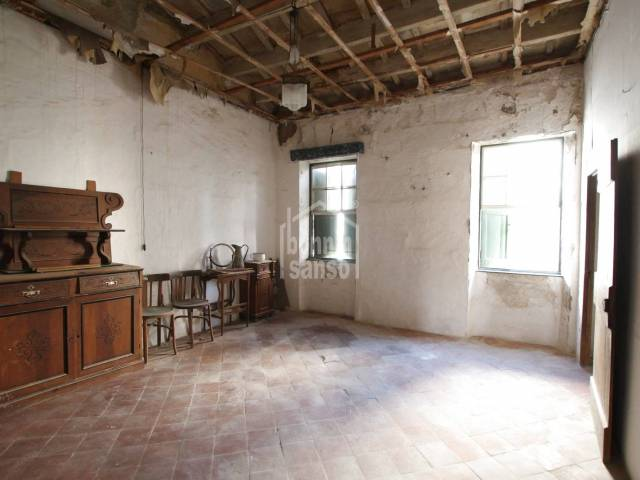 First floor town house in the center of Mahon, Menorca