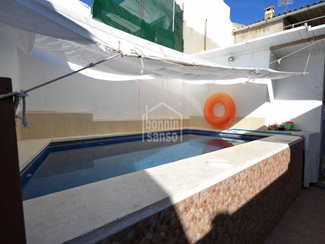 Mallorquin house of approx. 270 m² with pool and BBQ located in Son Servera
