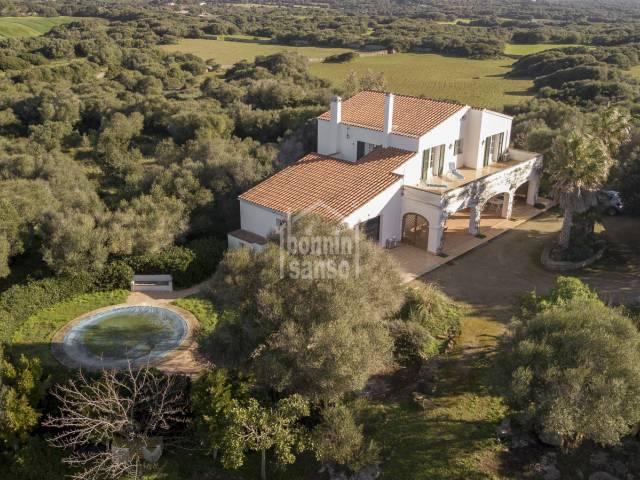 Moderna casa de campo cerca de San Clemente y termino municipal de  Alaior, Menorca