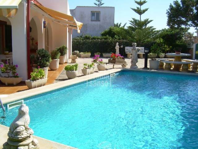 Cozy new villa on two floors two minutes far from the Calan Bosch beach, Ciutadella, Menorca