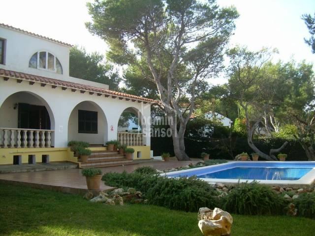 Villa in Cala Blanca