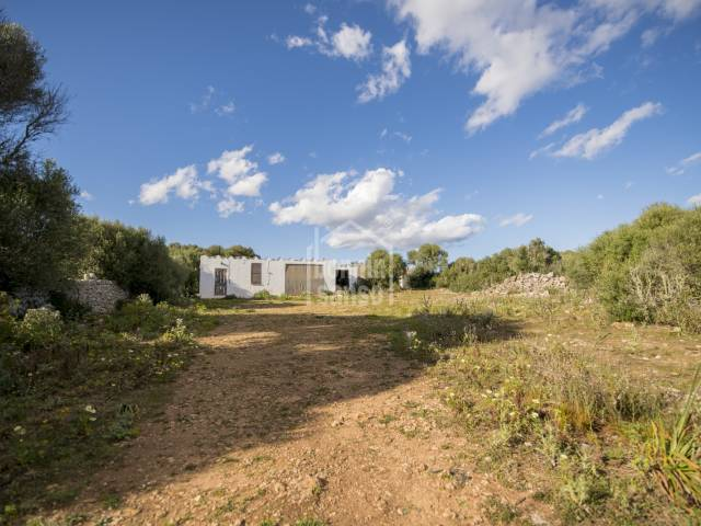 Rustic property with several small buildings in Mahon, Menorca.