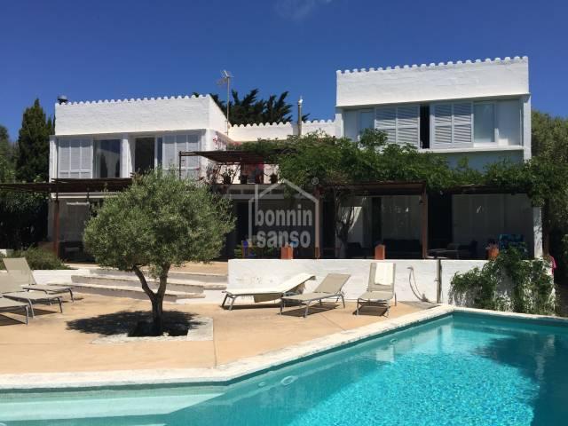 Magnifica villa situada en la costa sur de Menorca