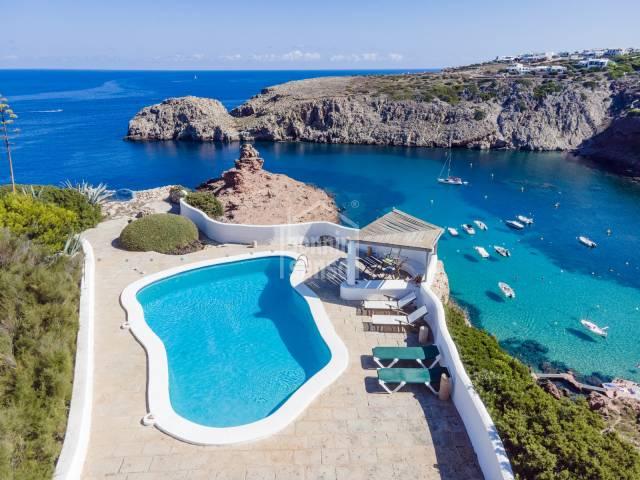Espectacular chalet frente al mar en Cala Morell, Ciutadella, Menorca