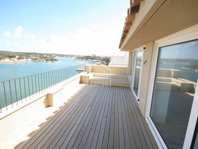 Apartment in Mahon (City)
