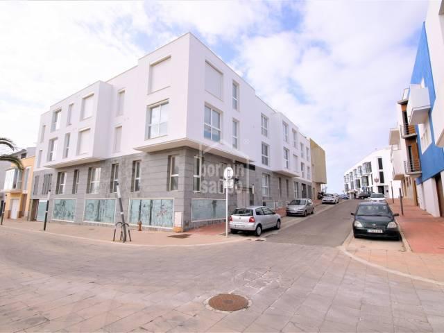 Grand espace commercial dans une belle région en expansion, Ciutadella, Minorque