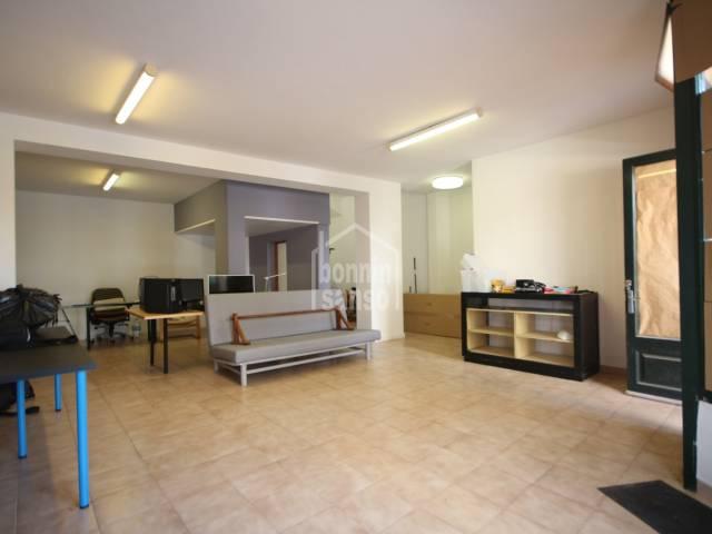Spacious business premises in busy street in Ciutadella,Menorca