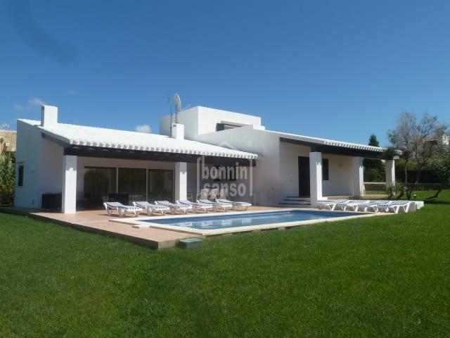 Villa contemporanea en Binibeca Vell