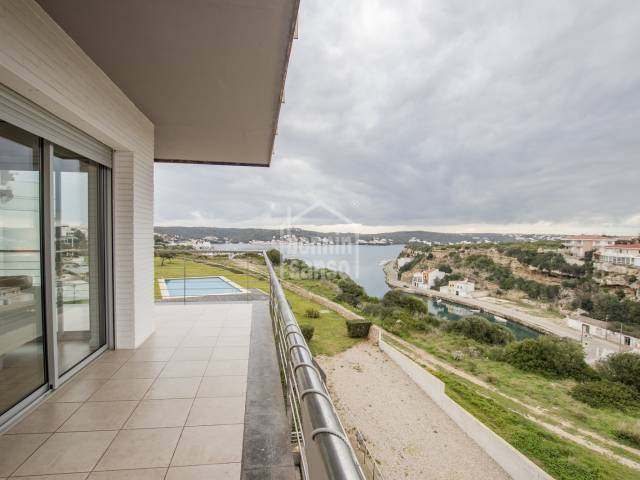 Luxury apartment overlooking the harbour of Mahon. Menorca