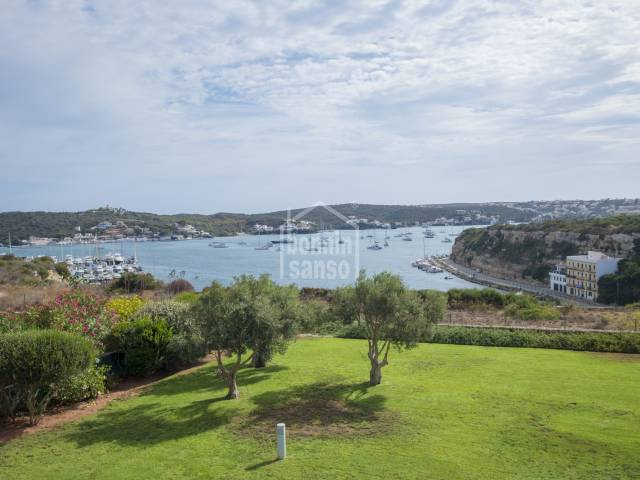 Exceptional apartment with views of the port of Mahón in an exclusive residential complex.