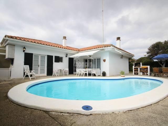 Hermoso chalet con piscina en Calan Bosch, Ciutadella, Menorca