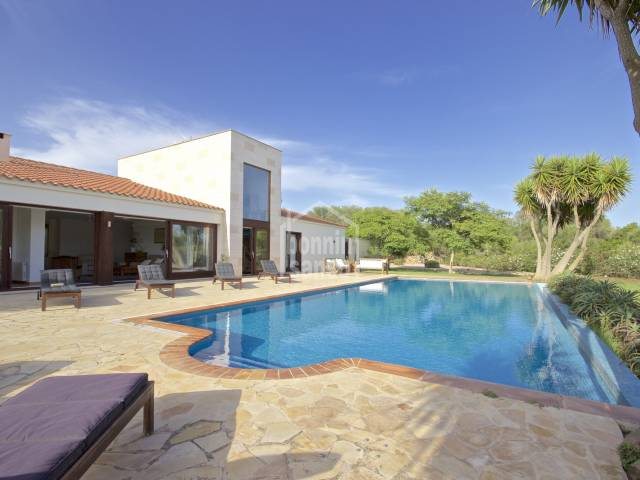 Spectacular villa in the countryside, located on the south coast of Menorca