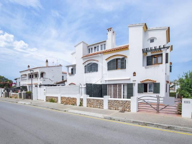 Casa adosada con piscina en Addaya, Menorca