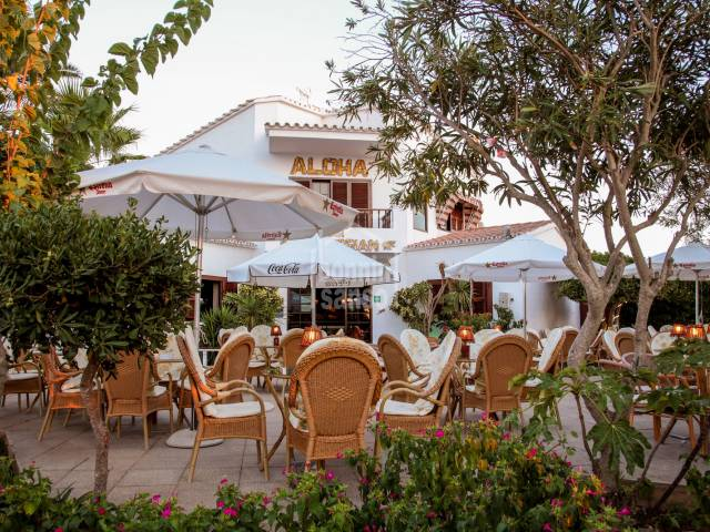 Interesting property made up of a restaurant and owner's accommodation in Calan Porter, Menorca.